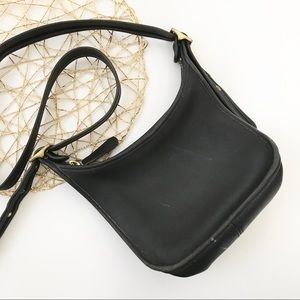 ** Coach ** vintage black leather crossbody bag